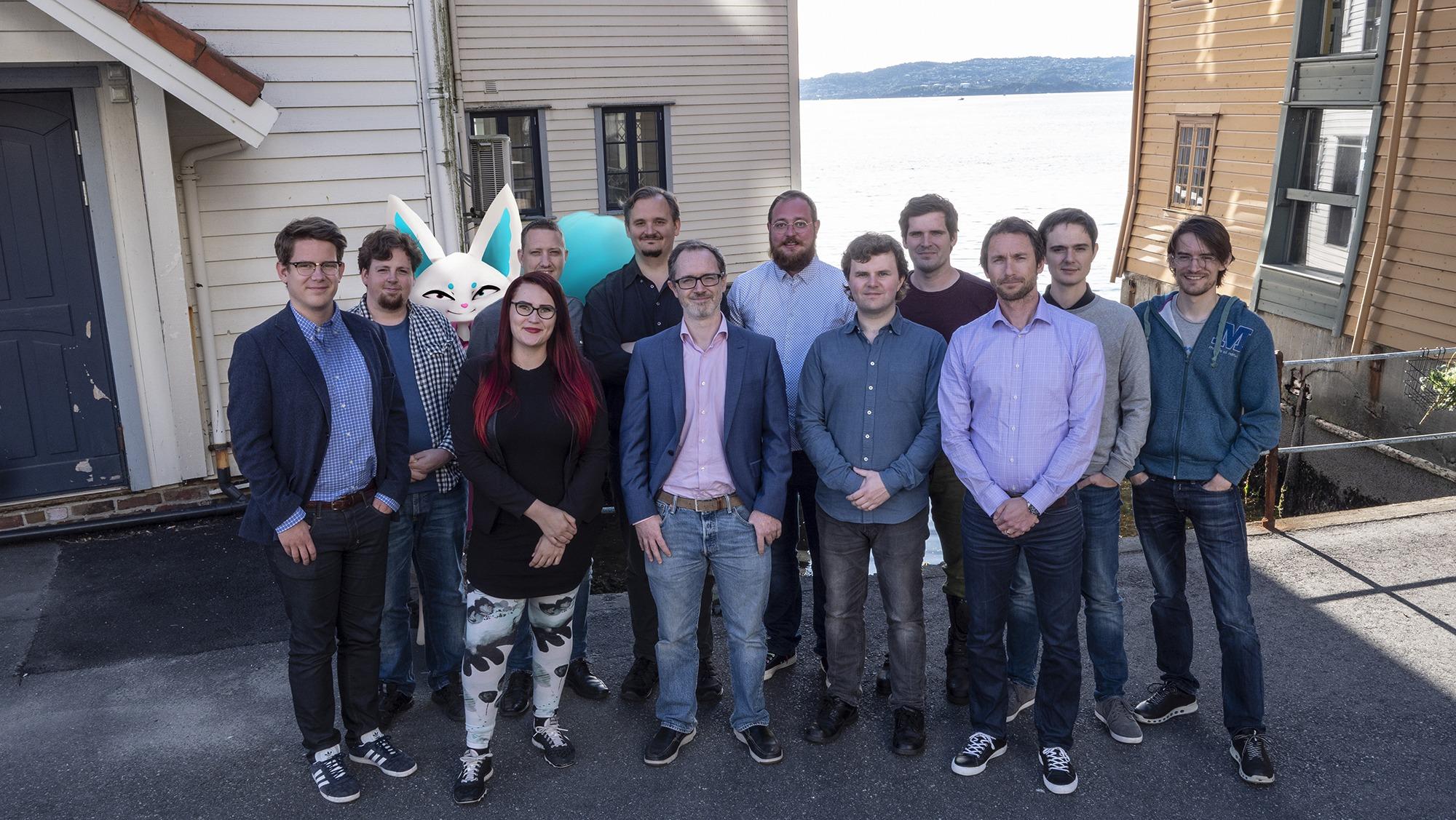 GLEDER SEG: Teamet bak InkyPen ser frem til lanseringen i november. Foto: InkyPen